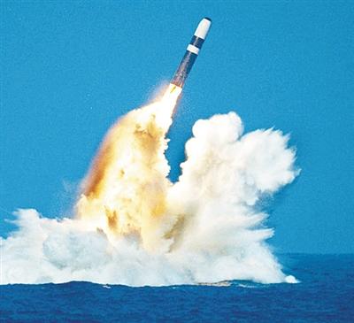"""美国未来巡航导弹核潜艇""""浮""""出水面"""